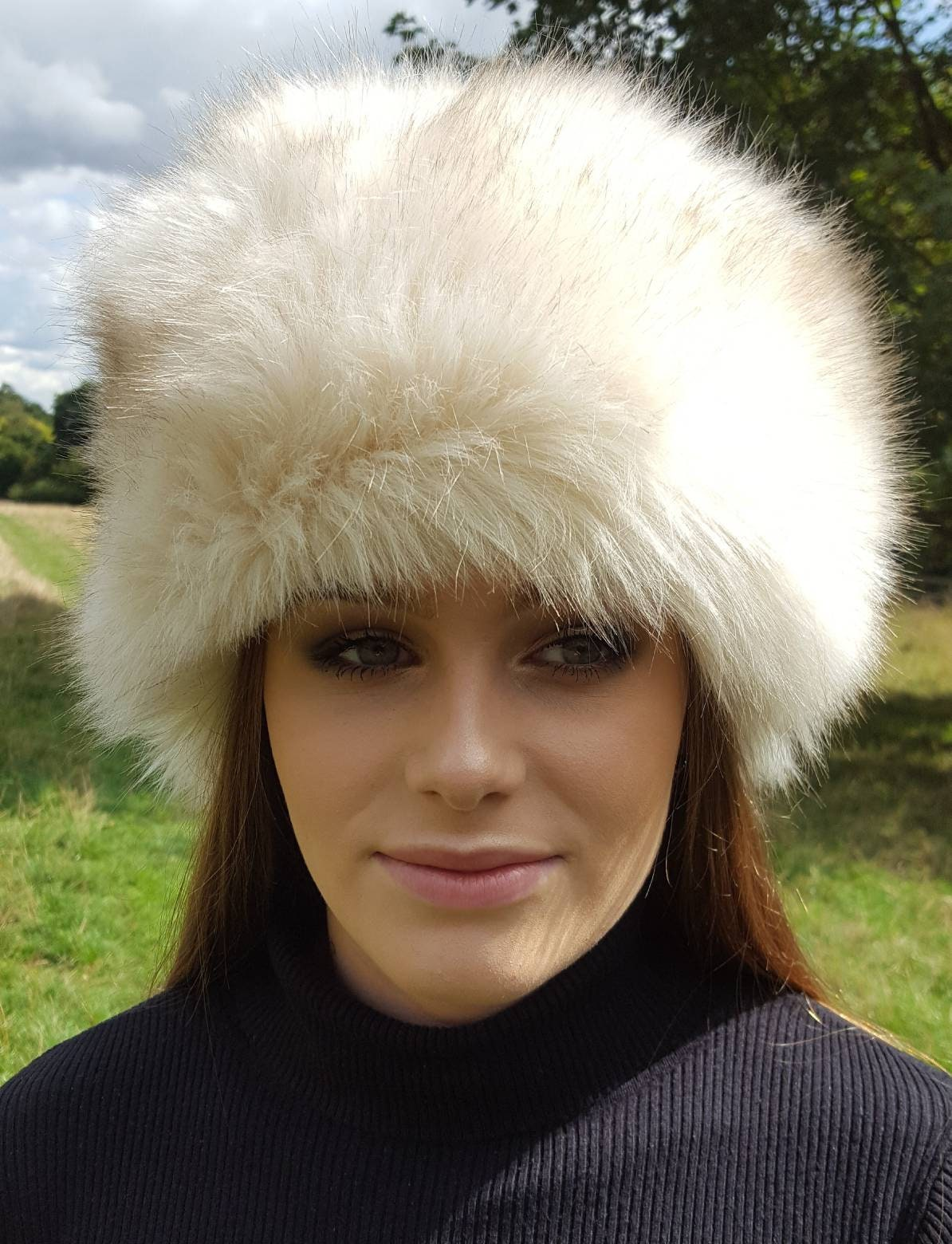 Beautiful Cream Faux Fur Hat with Cosy Polar Fleece Lining baab13e3f9d