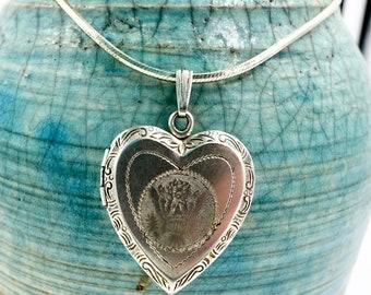"STERLING SILVER LOCKET Necklace - 925 Sterling Silver - Heart Pendant Keepsake Photo Locket - Usa Great Seal - Vintage Necklace 18"""