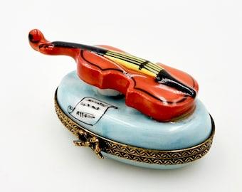 Vintage LIMOGES TRINKET BOX - France Porcelain - Violin - Hand Painted Peint Main - Chamart