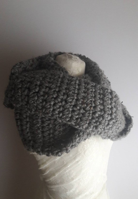 Unisex Crochet Shawl, Handmade Wool Scarf, Chunky Grey Tweed Crochet Wool Loop