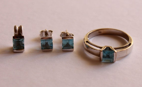 White GOLD Set: Ring, Earrings, and Pendant with BLUE TOPAZ stones, White Gold Ring, Pendant, Earrings Set