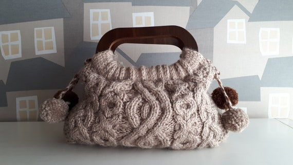 Handmade Knitted Bag, Knitted Bag, Casual Wool Bag, Beige Knitted bag with Wooden Handles