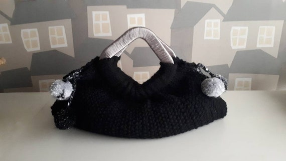 Handmade Knitted Bag, Knitted Bag, Casual Wool Bag, Black Knitted bag with Wooden/Silver Handles