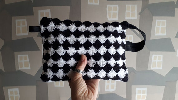 Black and White Clochet Clutch, Crochet Cosmentics Bag, Black and White Pouch