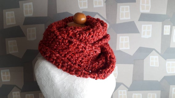 Unisex Crochet Shawl, Handmade Wool Scarf, Chunky Red Crochet Wool Loop