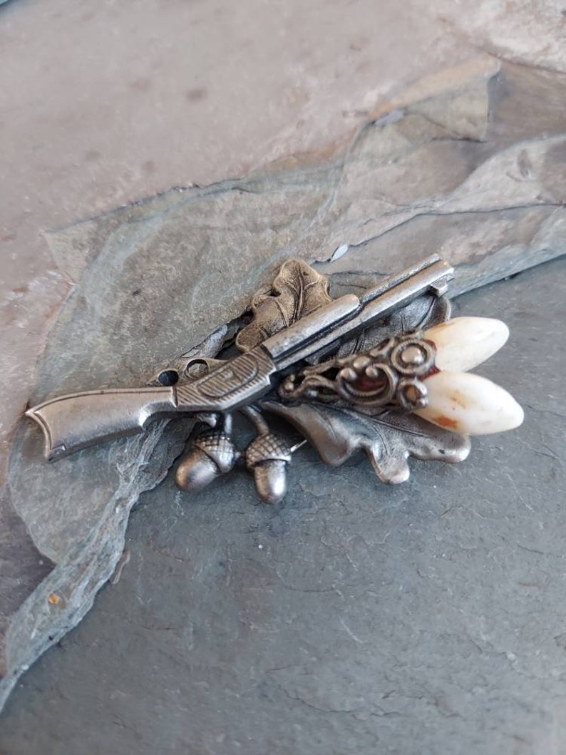Hunting Hat Pin Antique German HUNT BROOCH Rifle Acorns Roe Deer Teeth Oak Leaves
