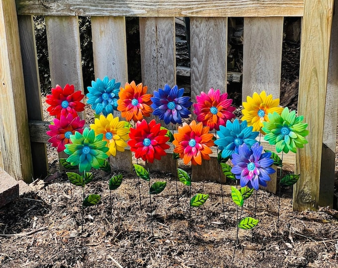 Featured listing image: Metal Flower Garden Stakes,Colorful Daisy Garden Stakes, Yard decoration, Metal Art, Garden Sculpture Decor,Patio decor Mother's Day Gift