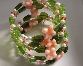 PEACH & PEARL Floral Memory Wire Bracelet