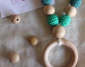 breastfeeding teething and babywearing necklace