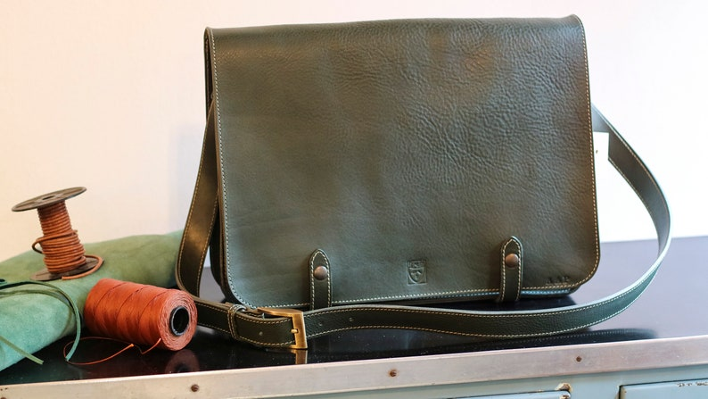 Full grain green leather briefcase for Laptop image 0