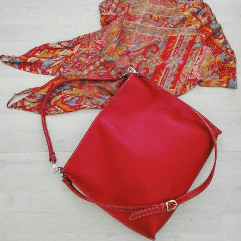 Red LEATHER SHOULDER BAG handmade image 0
