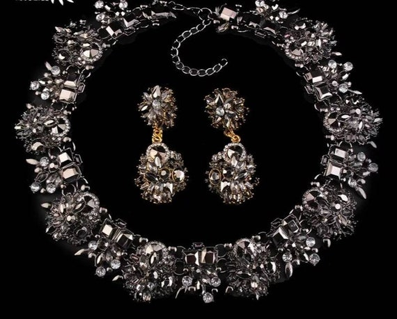 Wedding Jewelry Crystal Necklace mother of the Bride Groom  Chunky Rhinestone  Crystal Bib Statement Necklace Bridal Collar Necklace