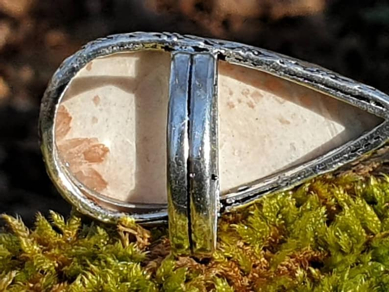 size US 9 drop shape : angelic stone 12 sacred rays Scolecite ring unconditional love
