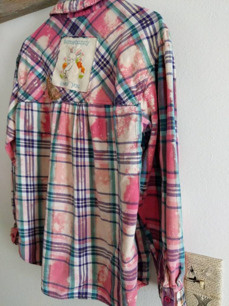 Bleach Dye Flannel Women/'s Size Medium Embroidery Patch on the Back Sequin Flower