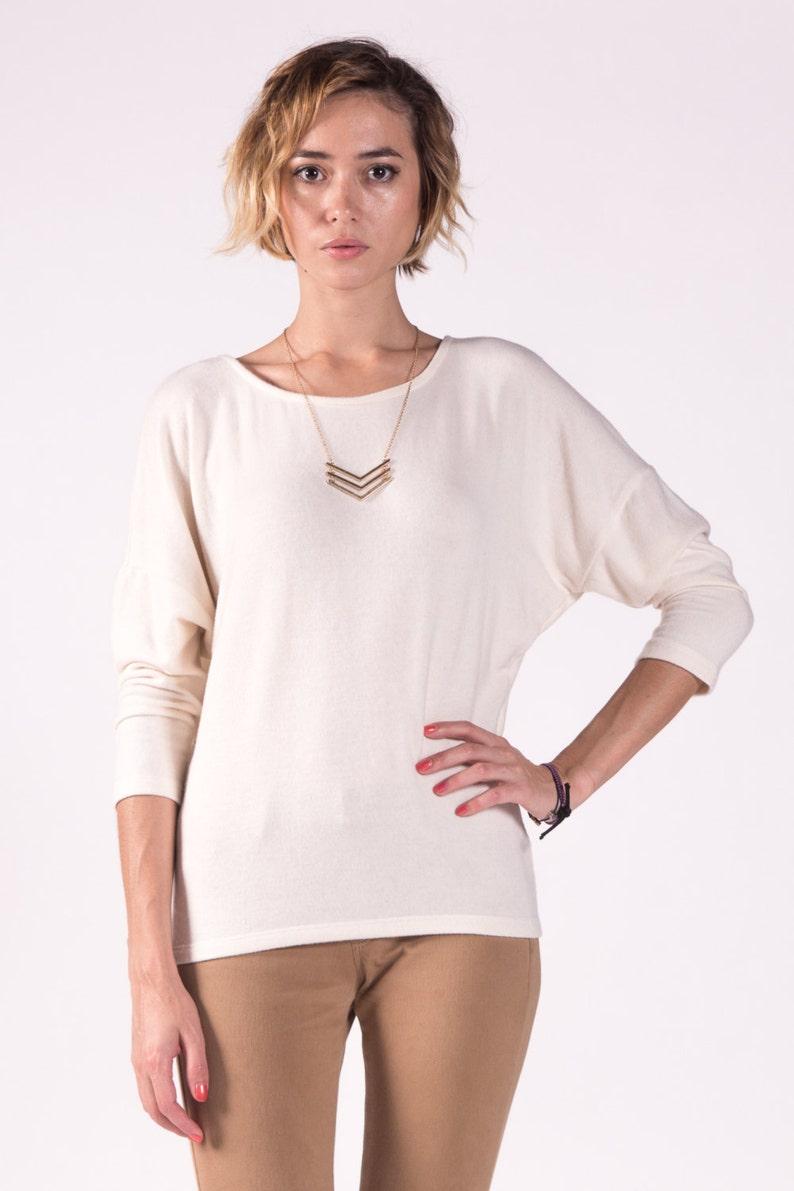 Sweater Top / Cream Top / Dolman Top / Cashmere Sweater Feel / XL US women's letter