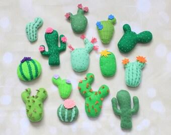 Felt cactus ornament felt succulent stuffed Cactus plant Faux cactus terrarium cactus magnets cactus plush Cute Succulents Cactus decoration