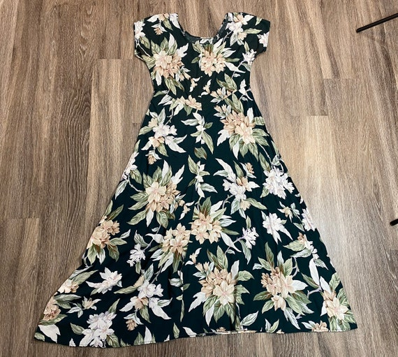 Vintage vintage 1990's Green and White Floral Max… - image 4