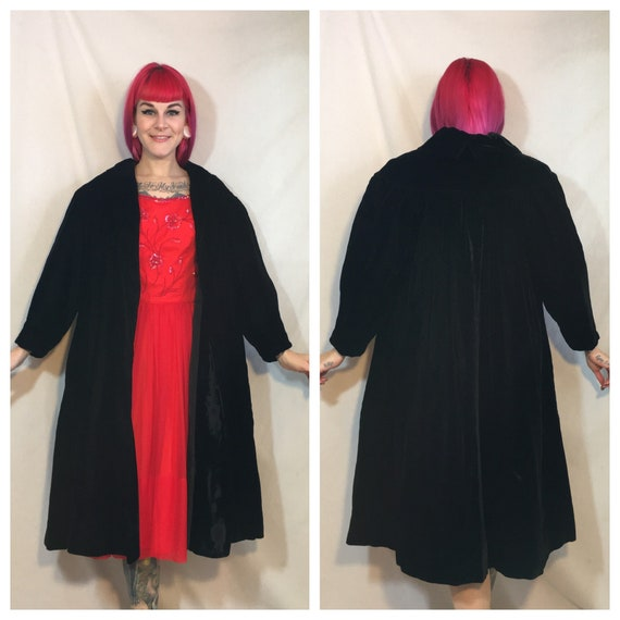 Vintage 1950's Black Velvet Coat by Lilli Diamond