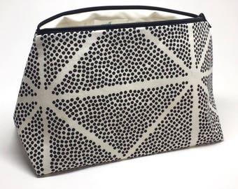 c22ef834fe Modern Print Design, Minimalistic Travel Bag Women, Makeup Organizer,  Modern Canvas Print, Makeup Lover, Polka Dot Bag, Best Makeup Bag