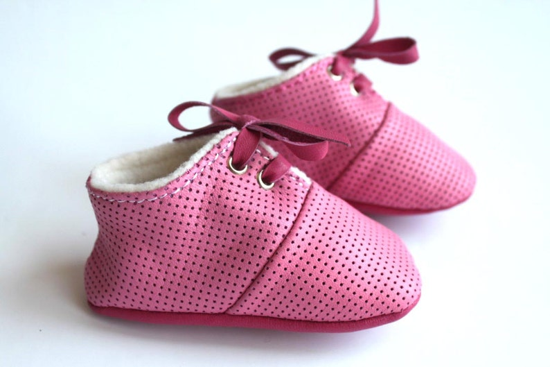 0-3 Months Slippers / Baby Shoes Lamb Leather Soft Sole Pink image 0