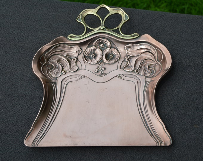 Carl Deffner German French Solid Copper and Brass Crumb Tray Vide Poche Art Nouveau Beautiful Manufacture and Decoration