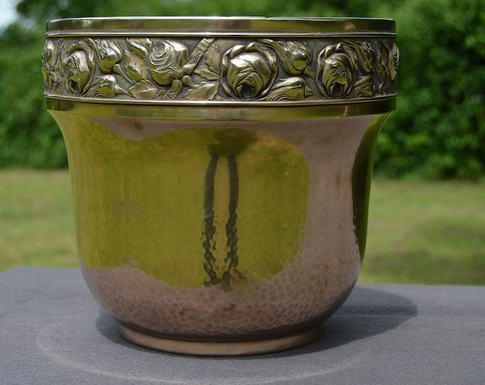 Art Deco Style Fine Yellow Copper Flower Pot Bowl Pot Art Deco Planter Jugendstil  Bowl Jardiniere Spilt in Rim Cache Pot