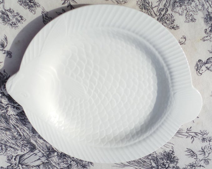 Vintage French Sarreguemines Fish Plate for Fish in the Shape of a Carp 1930's to 1950's French Ceramics Beautiful Manufacture White