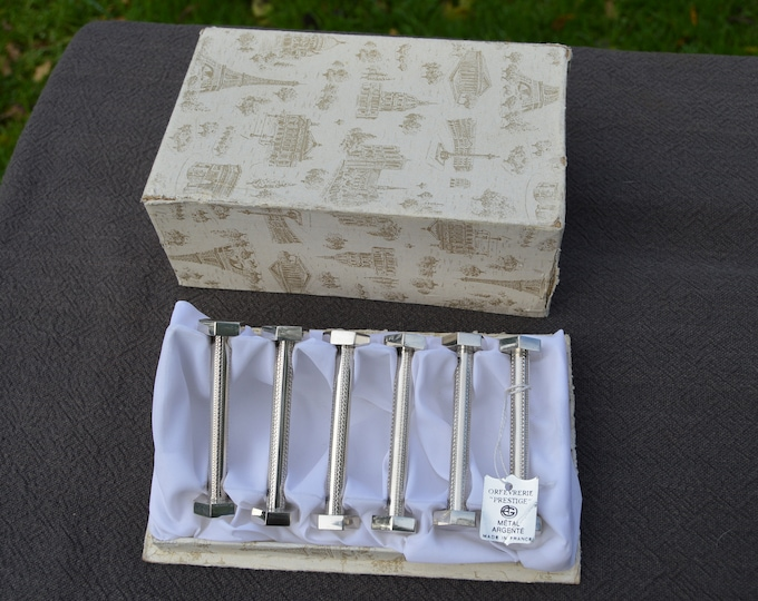 Knife Rests Silver Plate Boxed Super Condition Orfevrerie Prestige Makers Label Classical Style Antique Style Knife Rests