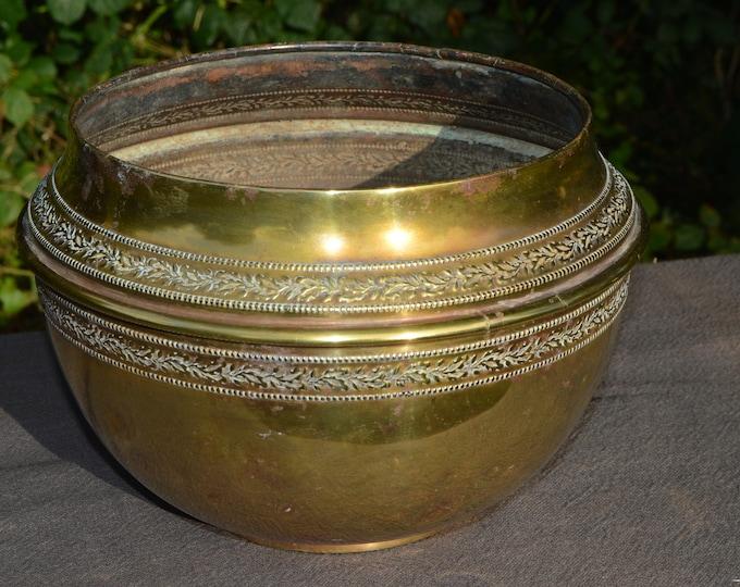 Art Deco Fine Yellow Copper Flower Pot Bowl Pot Art Deco Planter Jugendstil  Bowl Jardiniere Stamp Cache Pot Yellow Copper Dents