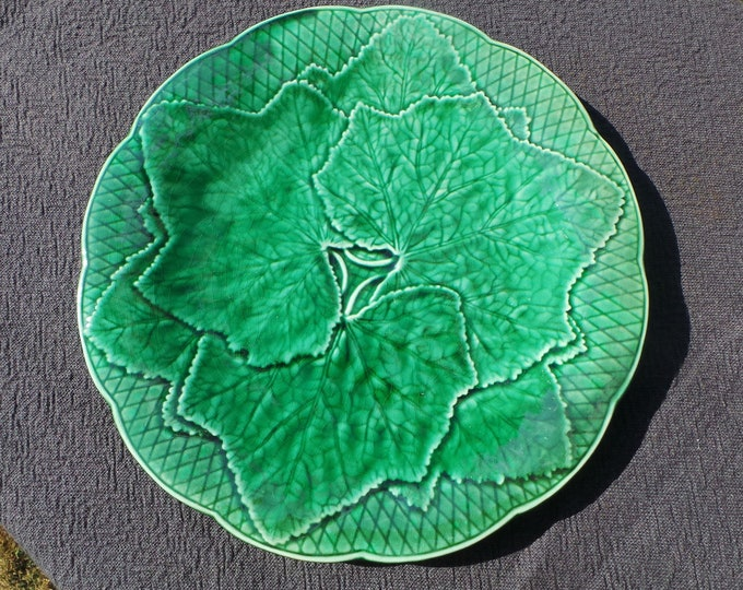 Antique French  Majolica Plate - GIEN - Fully Marked - Very Decorative French Barbotine Beautiful Autumn Decoration Green Leaf