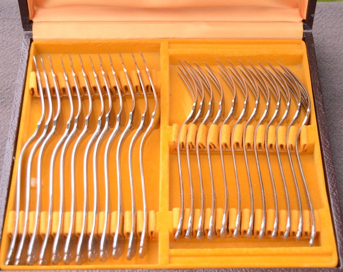 Guy Degrenne Fish Course Set 24 Piece French Restaurant Quality Superb Couverts Stainless Steel Cutlery Design Quality Marked Guy Degrenne