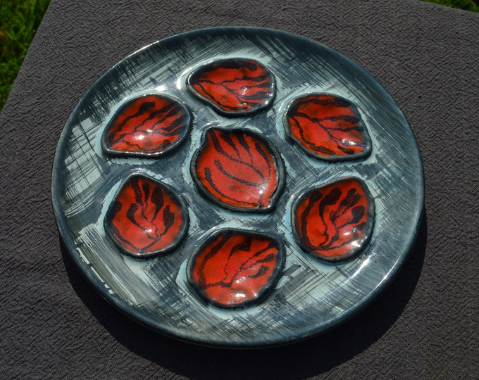 Oyster Plate Vintage French MBFA Pornic Quality Red Huitre Oyster Mussel Coquille Plate Shellfish Lemon/Vinegrette Resevoir Beautiful Design