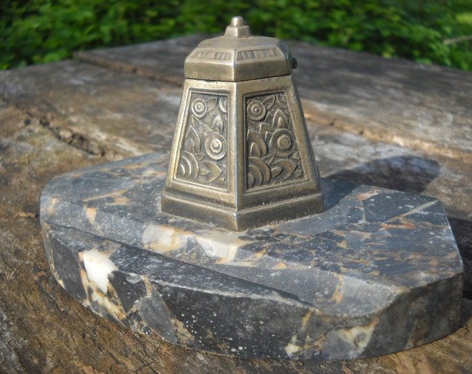 French Vintage Decorative Desk Inkwell Bronze Art Deco Pen Stand Encrier on Marble True Art Deco Inkwell Lovely Piece