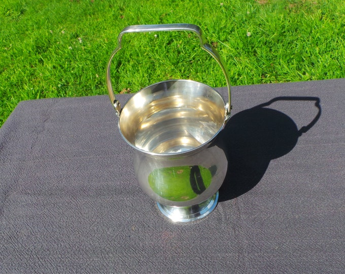 English Silver Plated Ice Bucket Seau de Glace Stamped EPNS Silver Plated Ice Bucket Classic with Handle Good Size Quality Silver Plate