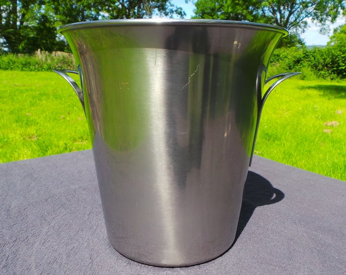 Guy Degrenne Wine Cooler Champagne Bucket French Restaurant Quality Superb Stainless Steel Special Vintage Design and Quality Wine Cooler