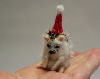 Needle Felted Hedgehog Ornament-Christmas Hedgehog-Handmade Hedgehog-Christmas-Needle Felted Animal-Wool Forest Animal-lovely hedgehog