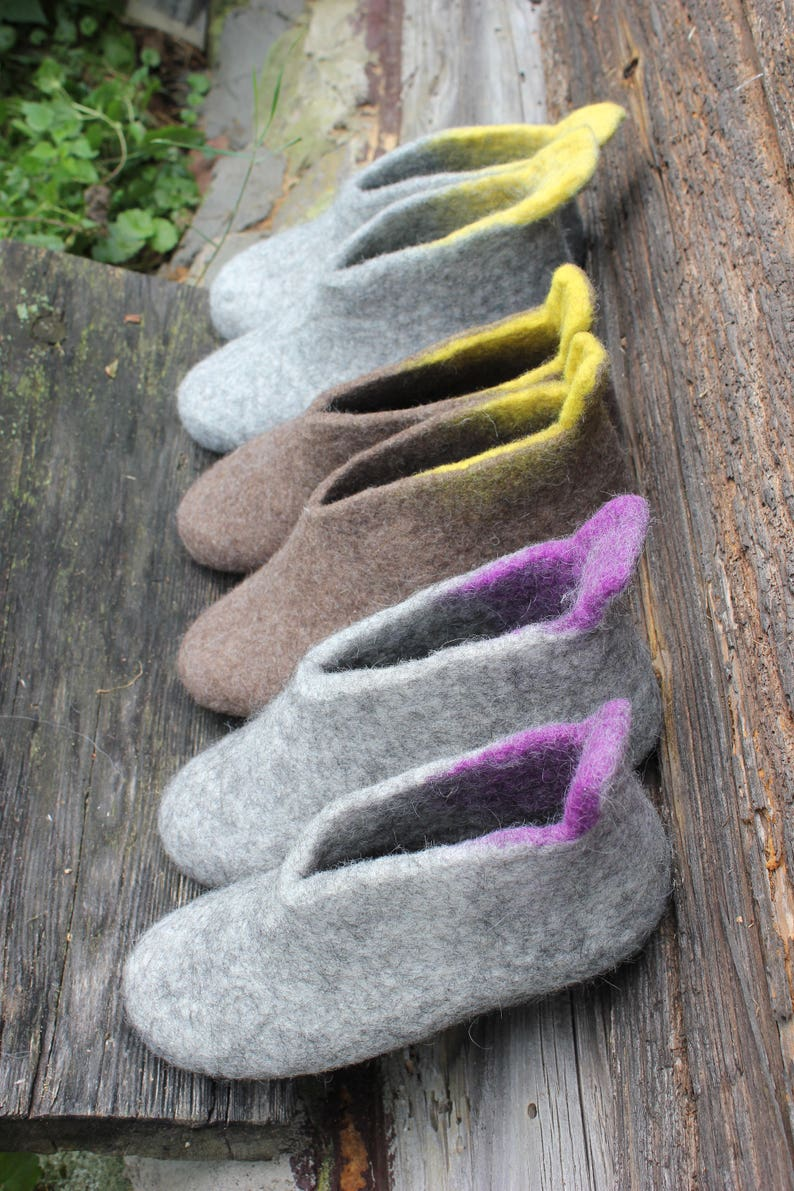 85a74e543a3ce Felted slippers Charcoal grey Dark grey Women home shoes DaliaNerijusFelt