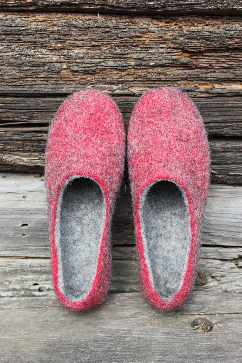 5cdd417063f97 Felted slippers Charcoal grey Dark grey Women home shoes Red grey Christmas  slippers Red shoes DaliaNerijusFelt