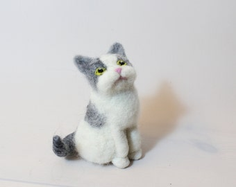 Needle felted Cat. Handmade. Miniature soft sculpture, felted pets, animal, pet loss, spotty cat, black-white, gray-white, brown, white