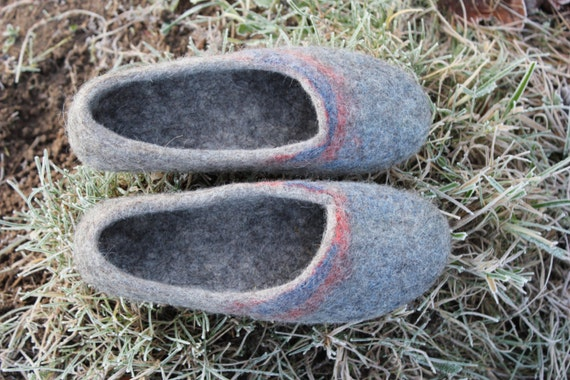 421926042280a Eco friendly Natural grey color Handmade Felted slippers Women house shoes  Wool clogs DaliaNerijusFelt