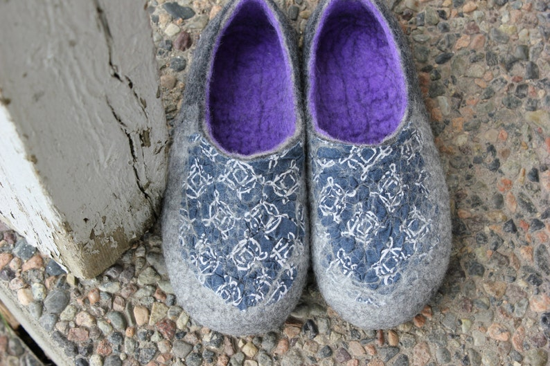47e661c3cb368 Felted slippers-Gray purple -women house shoes -Christmas gift-wool  slippers-Gift for her-made by DaliaNerijusFelt