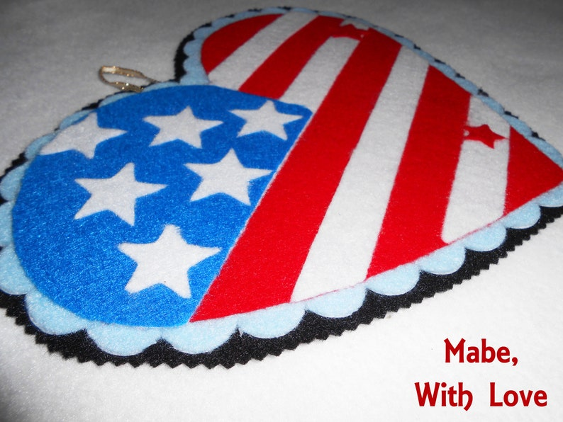Heart Shaped Red White Blue American Flag Wall Art Stars and Stripes Door Hanger Felt Fourth of July Decor American Home Decor