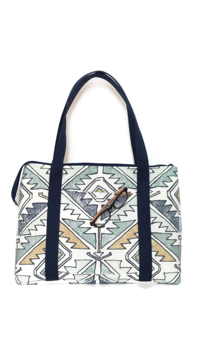 Tote Bag  Zipper top tote  Travel Bag  Gym Bag   Diaper Bag Handbag Shoulder Bag  Purse  Overnight Bag  Carry on Bag  Weekend Bag