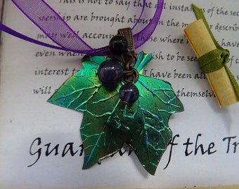 Shimmering Ivy Leaf Ribbon Necklace with Gemstone Berries
