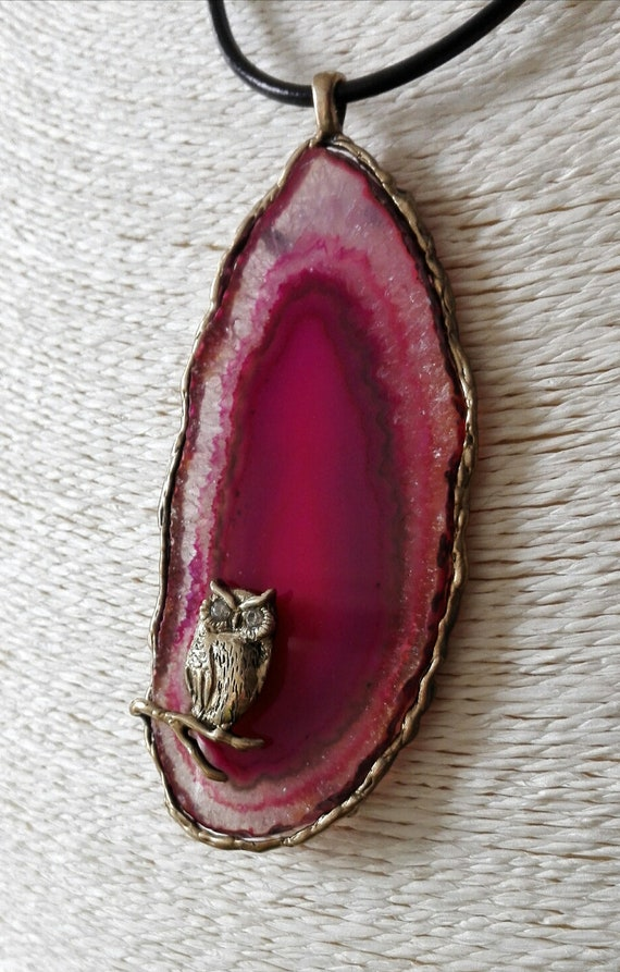 Owl pendant with pink agate slice
