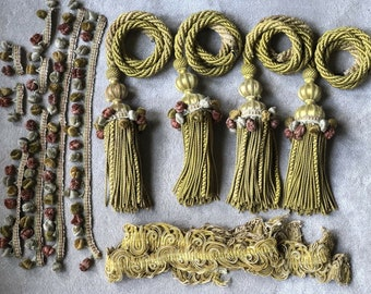 ID No.F96 Set of 2 - 4 pcs Antique Vintage French Yellow Gold Silk Passementerie Tassels Curtain Tie Backs