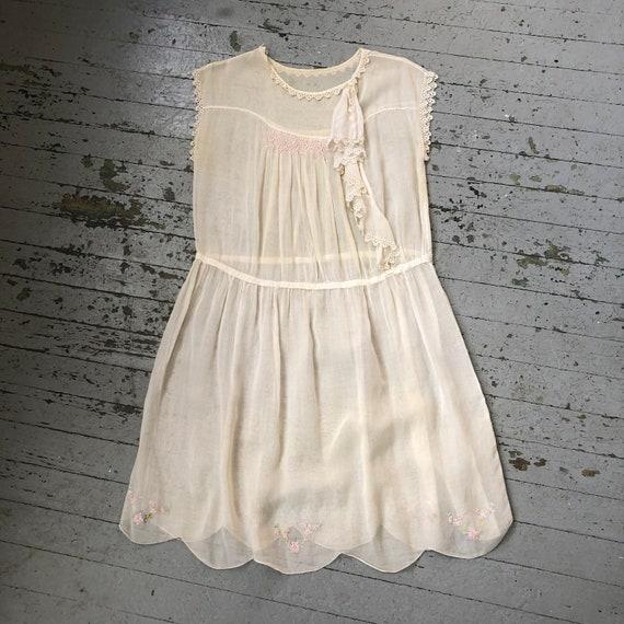 Vintage Antique 1920's Sheer White Cotton Embroide