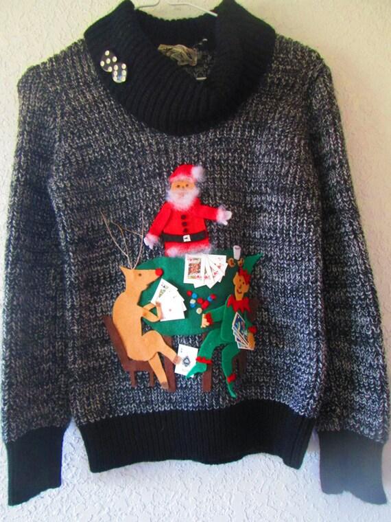 foto ufficiali de7fb ec487 Brutto maglione con Babbo Natale, Rudolph e un elfo che giocare a poker a  tema dopo i classici cani che giocano a poker #14