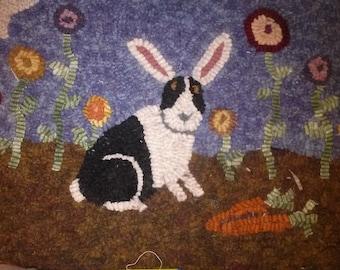 Primitive rug hooking kit, hooked, garden bunny, linen, wool