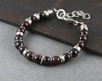 Silver garnet bracelet, boho style bracelet for her, second anniversary gift, bracelet femme, January birthstone, dainty style bracelets